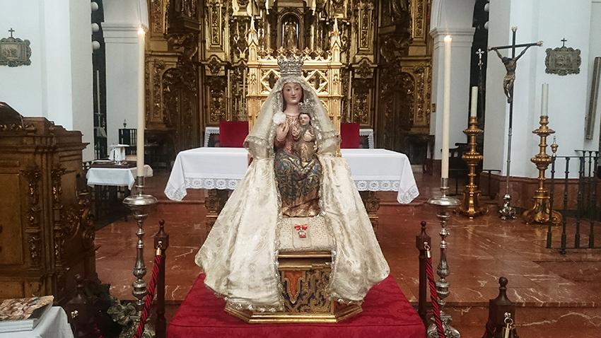 Un total de 130 niños y niñas fueron presentados a la Santísima Virgen de Valme