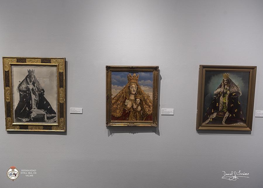 El Centro Cultural La Almona acoge hasta el 16 de octubre la exposición sobre los cien años del manto de castillos y leones de la Virgen de Valme